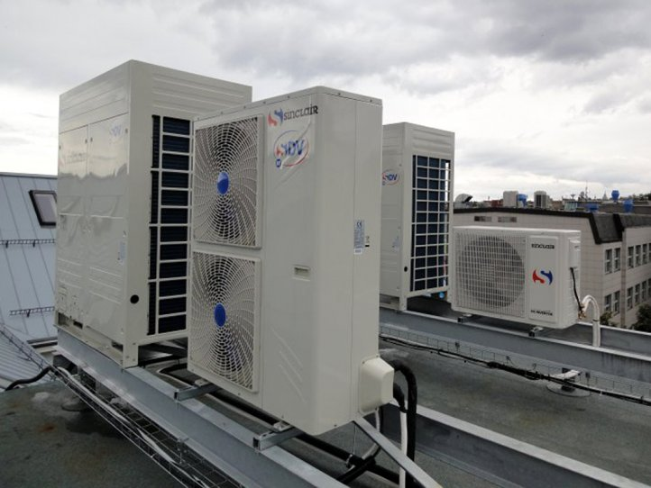 Commercial air conditioner system for multifunctional hall