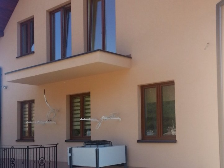Toplotna črpalka S-THERM+ za družinsko hišo v Makow-u